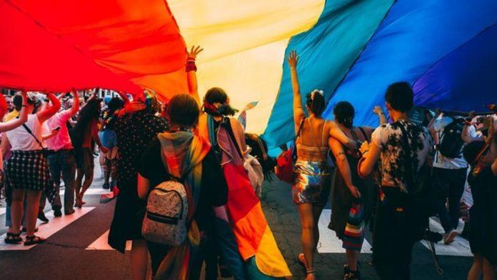 Transgenders, Eating Disorders, NewsMobile, NewsMobile India