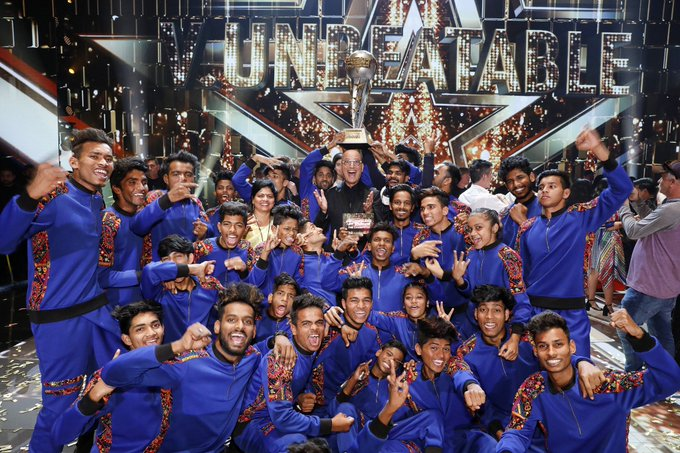 Simon Cowell, Heidi Klum, Alesha Dixon, Howie Mandel, America's Got Talent, V Unbeatable, NewsMobile, NewsMobile India