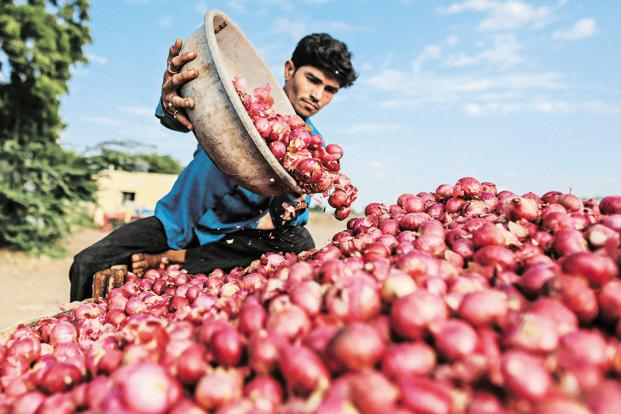 Onion, Onion prices, Suresh Prabhu, MEP, Directorate General of Foreign Trade, onion exports,minimum export price, onion prices sky rocket