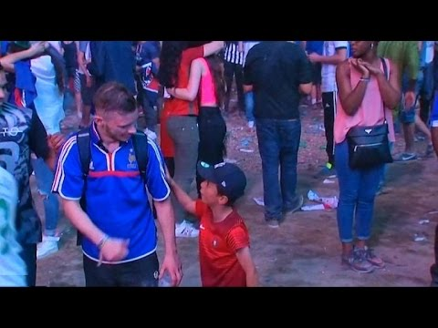 An emotional French fan got cheered up by a young Portuguese supporter after yesterday's #Euro2016 final https://t.co/0eKFHGhVYQ— Sky News (@SkyNews) July 11, 2016
