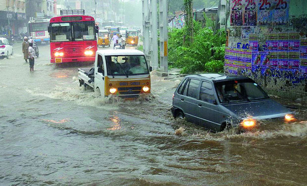 Medak, Rangareddy, Nizamabad, Beed, Latur, Nanded, Karimnagar, Nizamabad, Adilabad, , Maharashtra, Karnataka, Andhra Pradesh, Godavari, Krishna basins, flood alert, Water Resources Ministry,