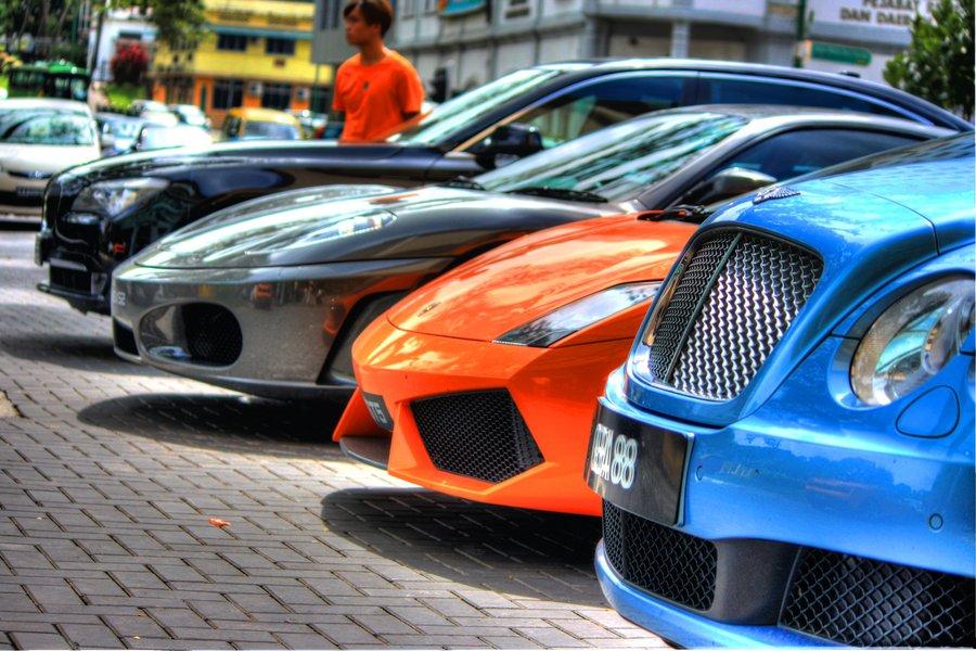 Lamborghini, Bentley, Ford, Rolls-Royce, Volvo, Aston Martin, Paris motor show