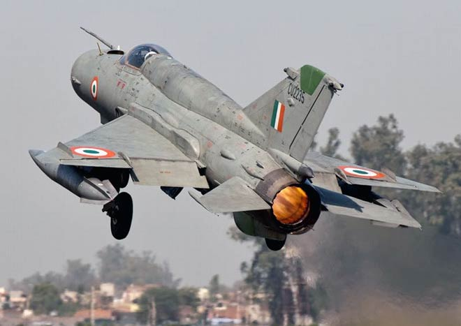 Indian Air Force, MiG-21, Srinagar, fighter jet, emergency landing