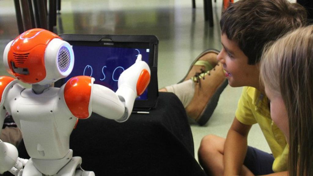 Computational Neuroscience, MONICA, primary school children, pedagogic interventions, integrated computational architecture, Madrid, Department of Artificial Intelligence, Scientists, new robot teacher,