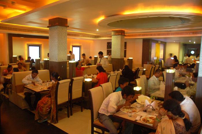 Restaurants, cardboard, aluminium, boxes, plastic, NewsMobile, Mobile news, India, Maharashtra, Mumbai