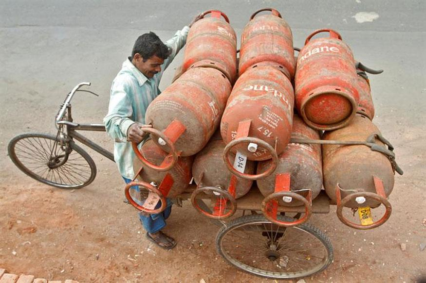 state-run oil marketers, Rs 86 per cylinder, non-subsidised cooking gas, LPG, Non-subsidised LPG,