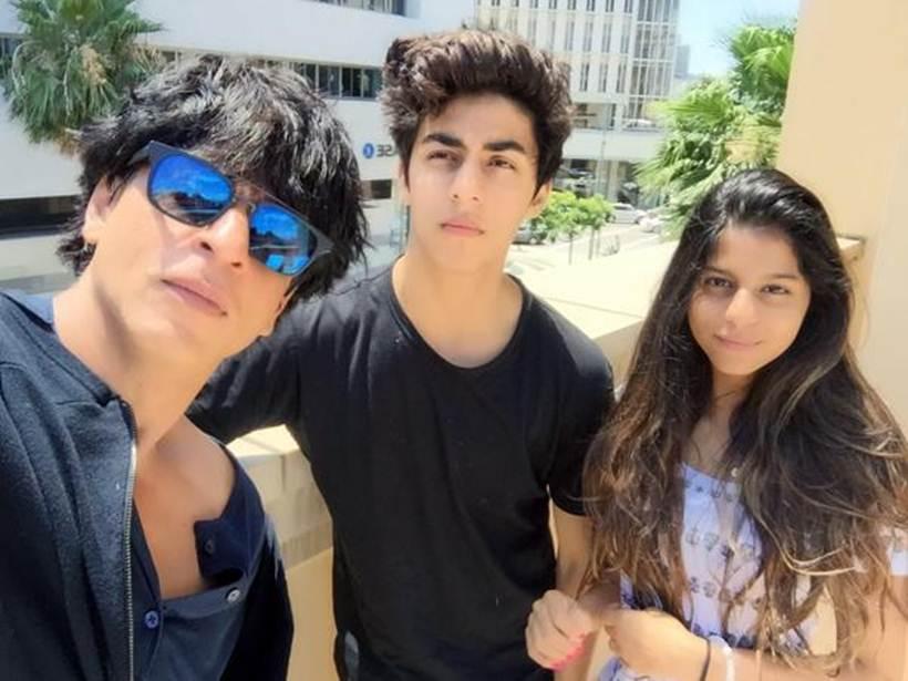 Shah Rukh Khan, aryan Khan, Suhan Khan, family, twitter