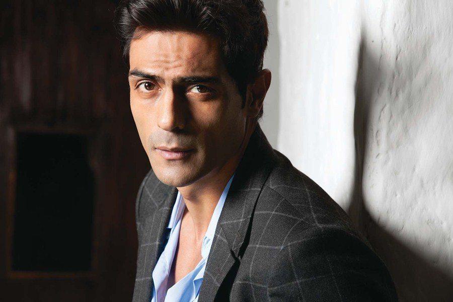 Arjun Rampal, assault, actor, fan, delhi, five star hotel