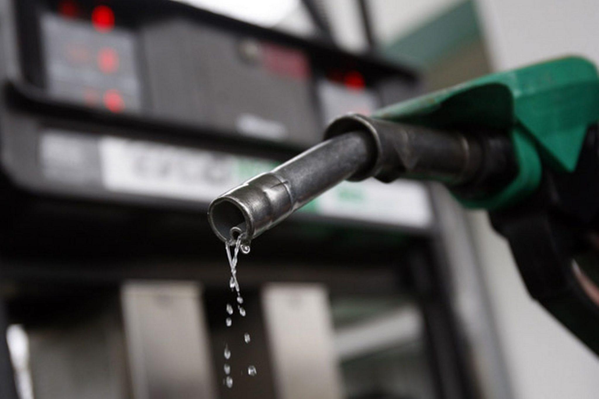 Fuel, prices, continue, poke, hole, pocket, petrol, breach, Rs 80/litre, New Delhi, India,