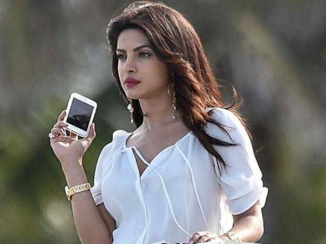Image result for Priyanka  chopra  in mobile