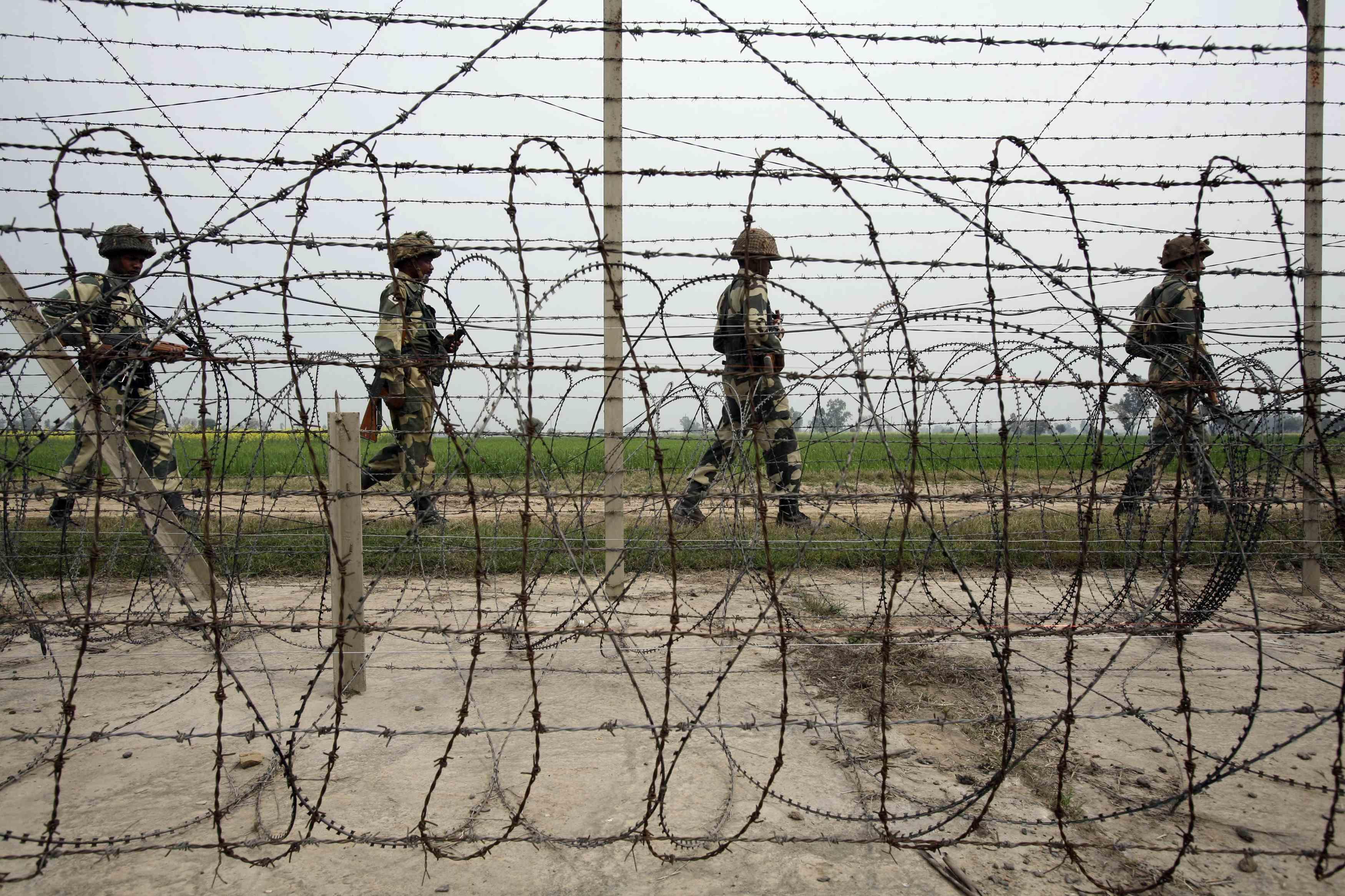 Jammu And Kahmir, LeT, Terrorists, NewsMobile, NewsMobile India