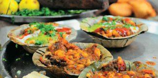 Varanasi, Benaras, Uttar Pradesh, Ganges, Assi Ghat, Deena Chaat, street food, Holidays, weekender, Ram Bhandar, Malaiyyo, Brown Bread Bakery, India