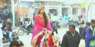 MBA, Rajasthan, Bride, Chariot,Horse, Groom, NewsMobile, Nation