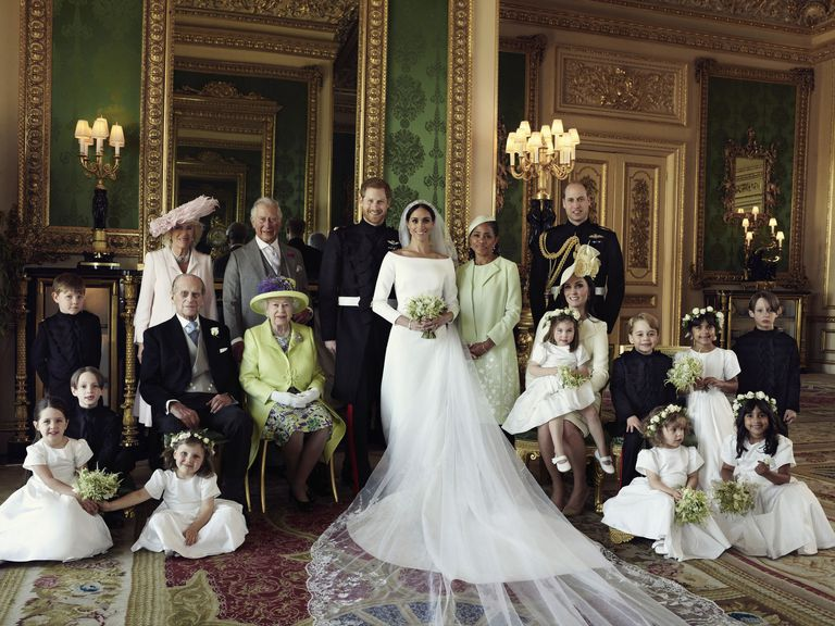 Prince Harry, Meghan Markle, Royal Wedding, Official Pictures, pictures, photos, NewsMobile, Mobile news, Royal Family, India