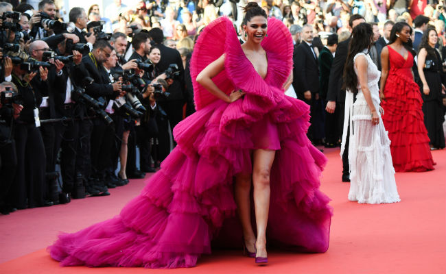 Deepika Padukone, Cannes, Festival, Pink, Films, Bollywood, Dress, Actress, Entertainment, Mobile News, NewsMobile