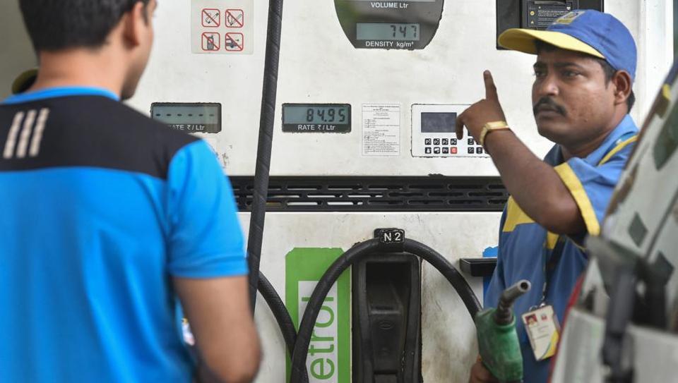 Fuel, prices, hike, petrol, Rs 81.68, per litre, Delhi, Mumbai, NewsMobile, Mobile News, India, Business
