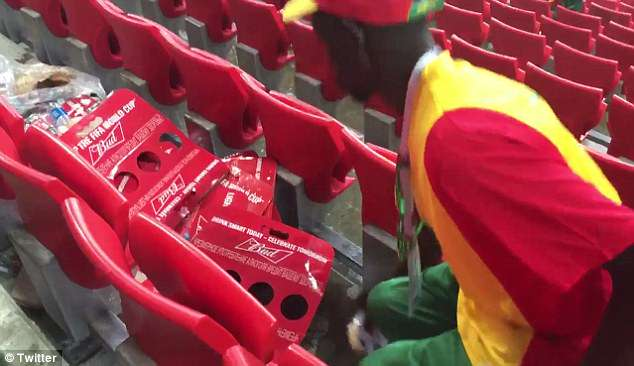 Senegal, Japan, fans, clean, stands, Sports, Newsmobile, Russia, Football, Mobile News India, FIFA, World Cup, 2018