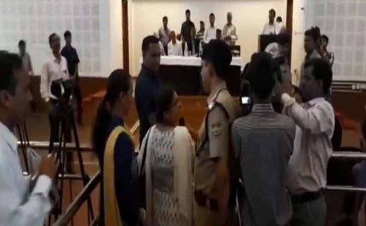 Uttarakhand, CM, suspension, arrest, teacher, transfer, argument, School, NewsMobile, Mobile news, India