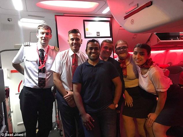 Greece, England, ALONE, 168, seat, plane, Rs 4000, Lucky, Passenger, Travel, NewsMobile, Mobile News, India, News, Global Traveller, India