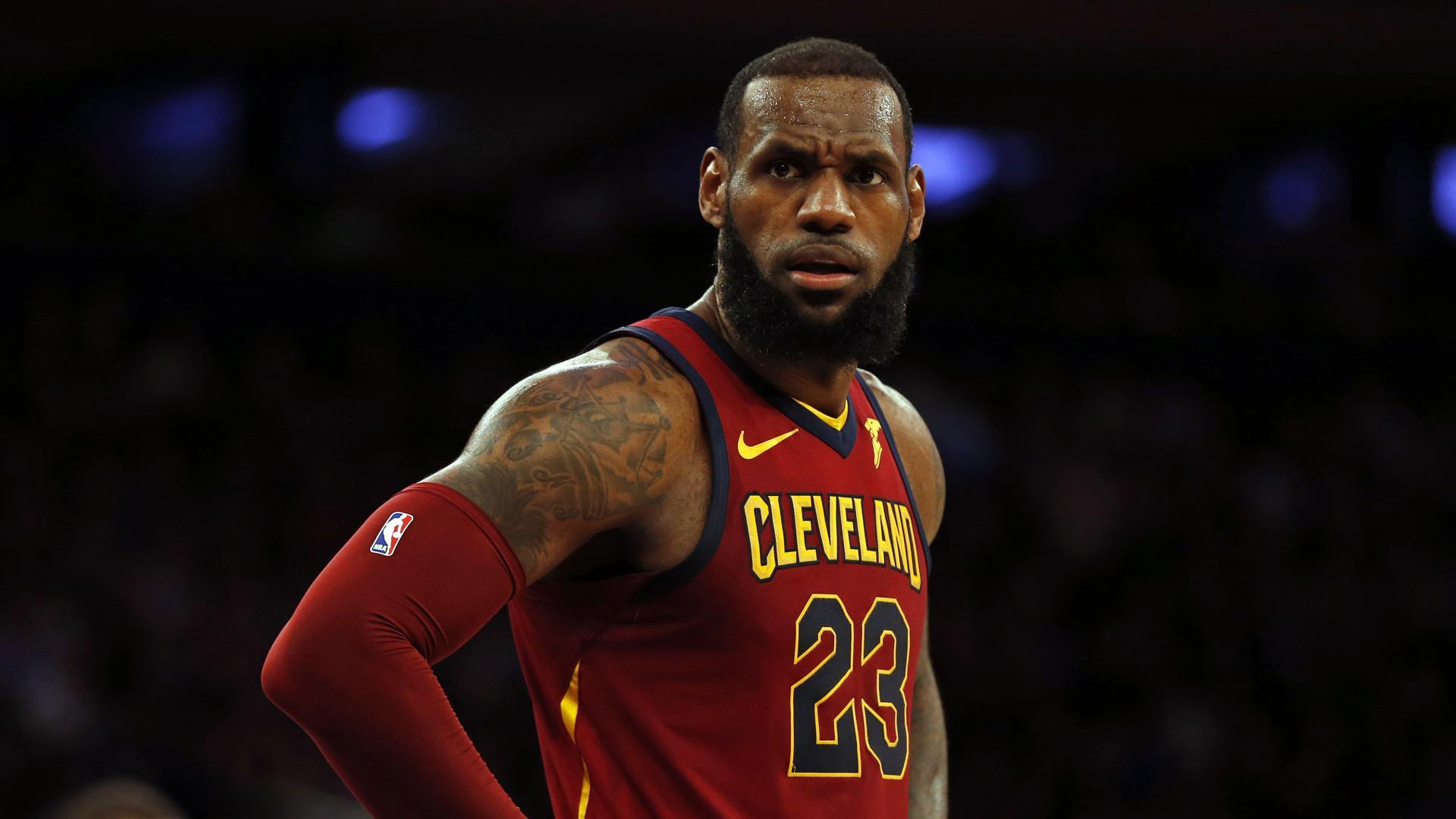 LeBron James, seal, $154 million, deal, Los Angeles Lakers, Sports, Basketball, NBA, Newsmobile, Mobile News, India