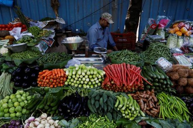 Retail, inflation, five, months, high, 5%, NewsMobile, Mobile News, India, Business