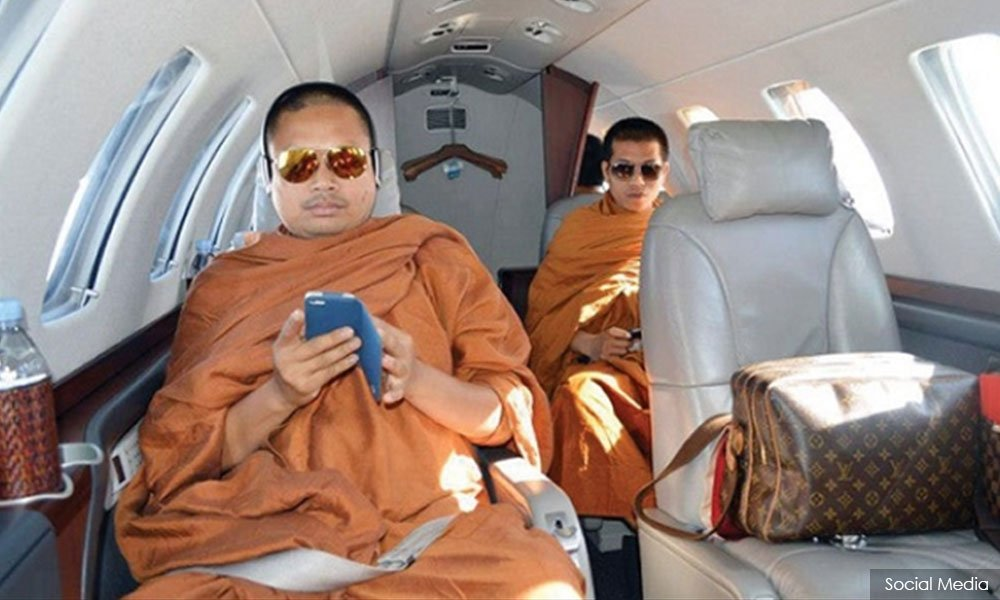 Thai, Buddhist, monk, Wirapol Sukphol, Jet Set monk, NewsMobile, Thailand, Mobile News, Bangkok, India