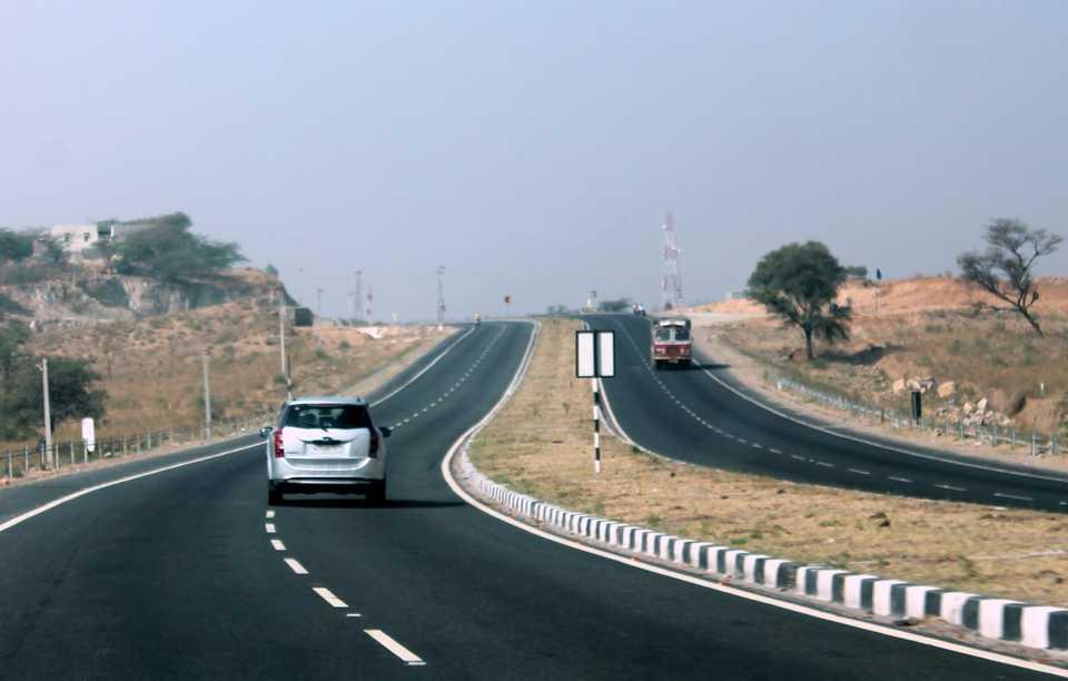 Road trip, Delhi, Mumbai, 12-hours, work, start, December, NewsMobile, Mobile News, India, Nitin Gadkari