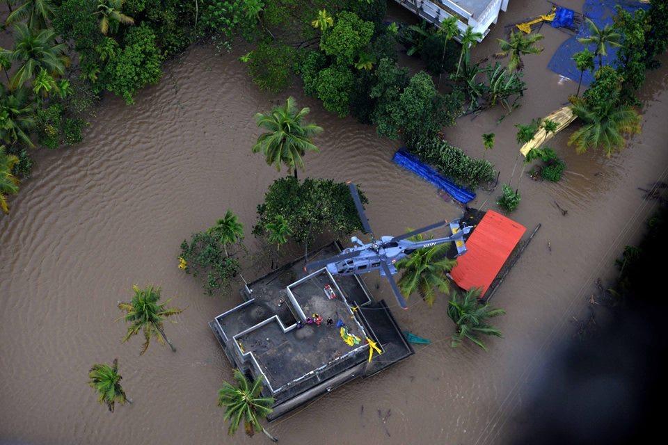 Andhra Pradesh, IAS, officers, donate, day's salary, Kerala, flood, victims, NewsMobile, Mobile News, India
