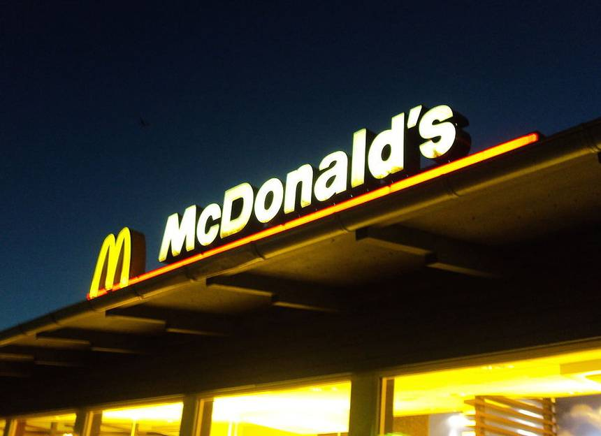 McDonald's, serve, pregnant, woman, cleaning solution, latte, Newsmobile, Mobile news, India, World