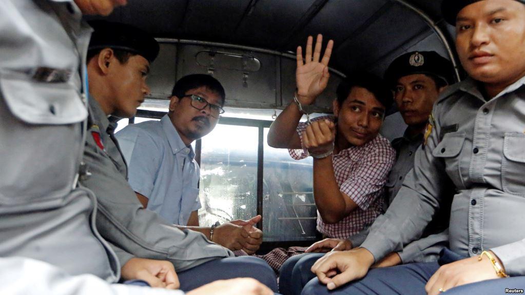 Two, Reuters, journalists, sentenced, 7-years, jail, investigating, Rohingya, killings, World, Myanmar, NewsMobile, Mobile News, India