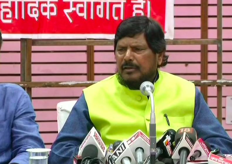 Minister, diesel, free, Union Minister, fuel, price hike, Ramdas Athawale, NewsMobile, Mobile News, India