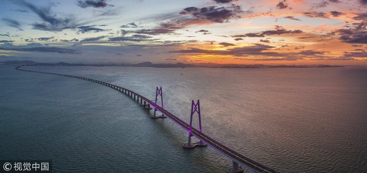 Chinese, President, Xi Jinping, China, Hong Kong, Mainland China, longest bridge, 55km, NewsMobile, Mobile News, Global Traveller, India