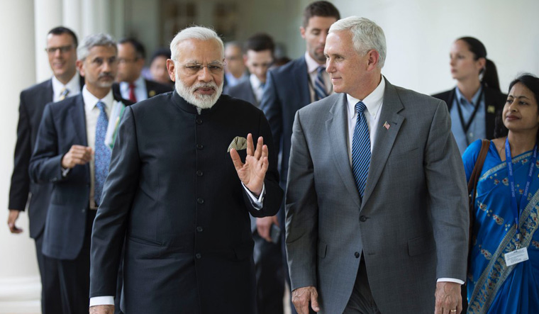 Prime Minister, Narendra Modi, United States, Vice President, Mike Pence, World, Singapore, East Asia Summit, NewsMobile, Mobile, News, India