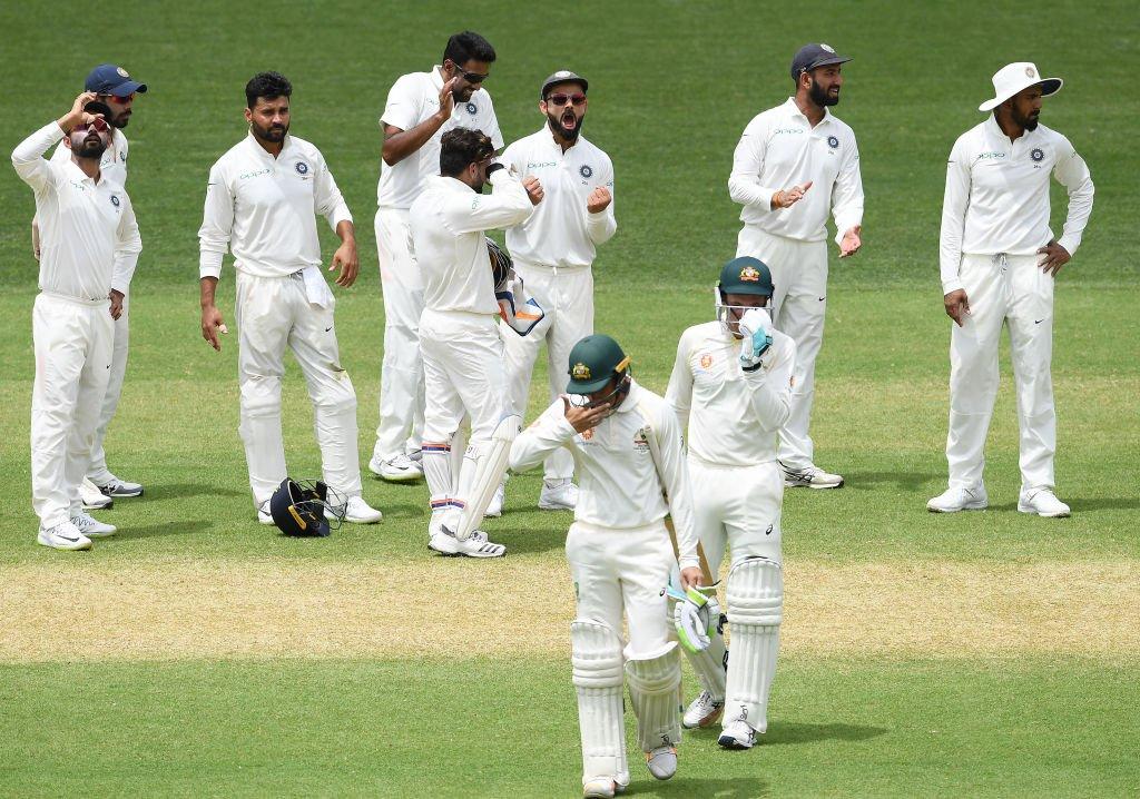 Australia, 191/7, trail, India, 59 runs, stumps, Day 2, Cricket, Sports, Test, NewsMobile, Mobile, News, India