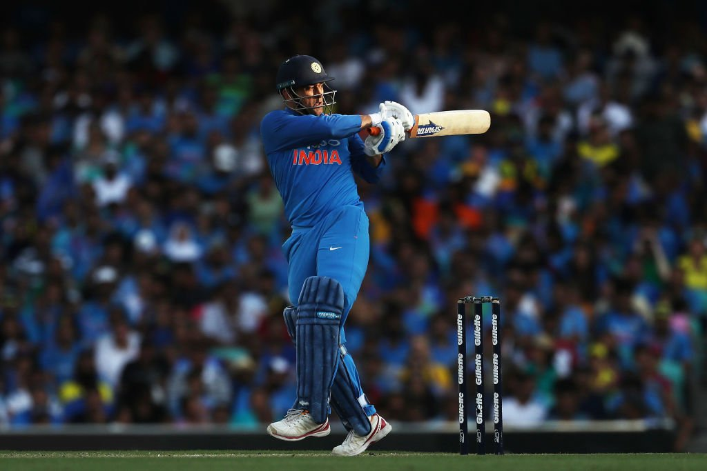 MS Dhoni, Sachin Tendulkar, Sourav Ganguly, Rahul Dravid, Virat Kohli, 10000, runs, India, Australia, Cricket, Sports, NewsMobile, Mobile, News, India