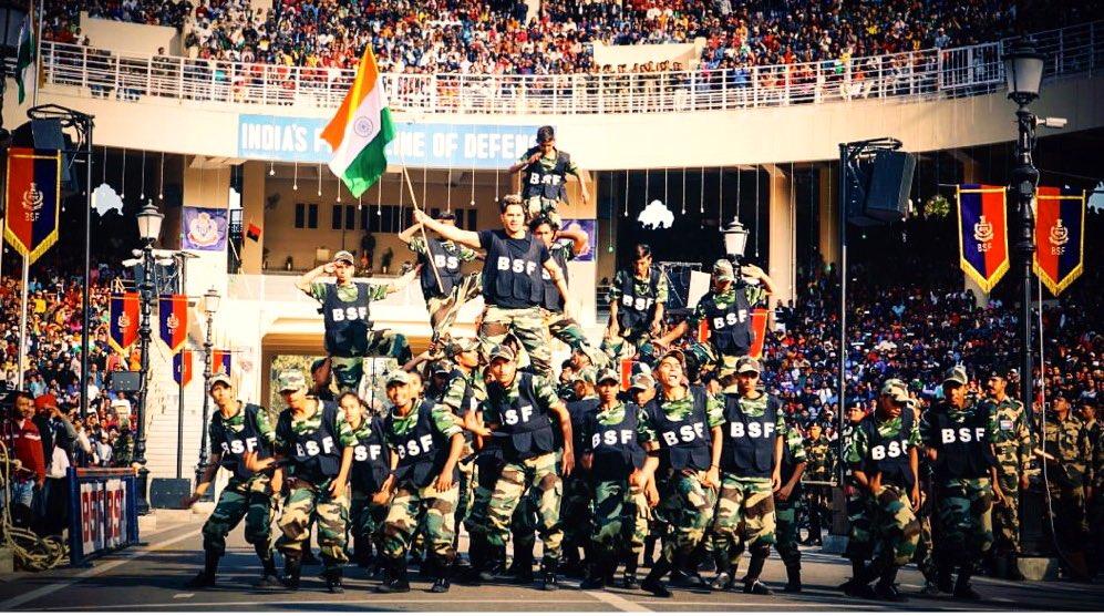 Vickey Kaushal, Yami Gautam, Varun Dhawan, Attari, Wagah Border, Republic Day, News Mobile, News Mobile India