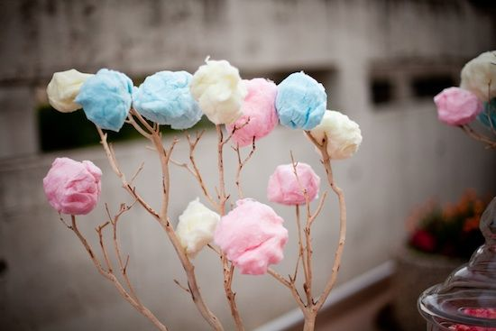 Are cotton candy bouquets the new bridal trend for 2019?