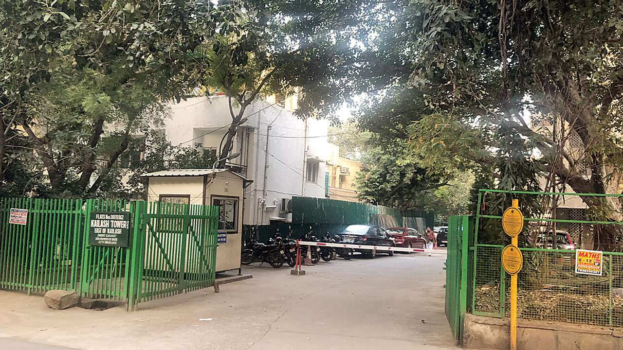 Domestic help and son arrested for murder of couple in South Delhi