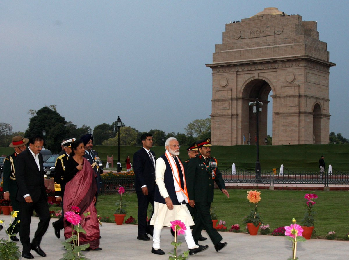 PM Narendra Modi, National War Memorial, New Delhi, Defence Minister, Defence Minister Nirmala Sitharaman, COAS Gen Bipin Rawat, Air Chief Marshal B.S. Dhanoa, Chief of the Naval Staff (CNS) Admiral Sunil Lanba, News Mobile, News Mobile India