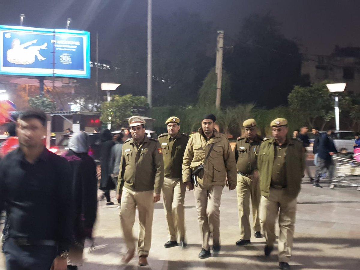 Delhi, Delhi Police, Woman, Dead, NewsMobile, NewsMobile India