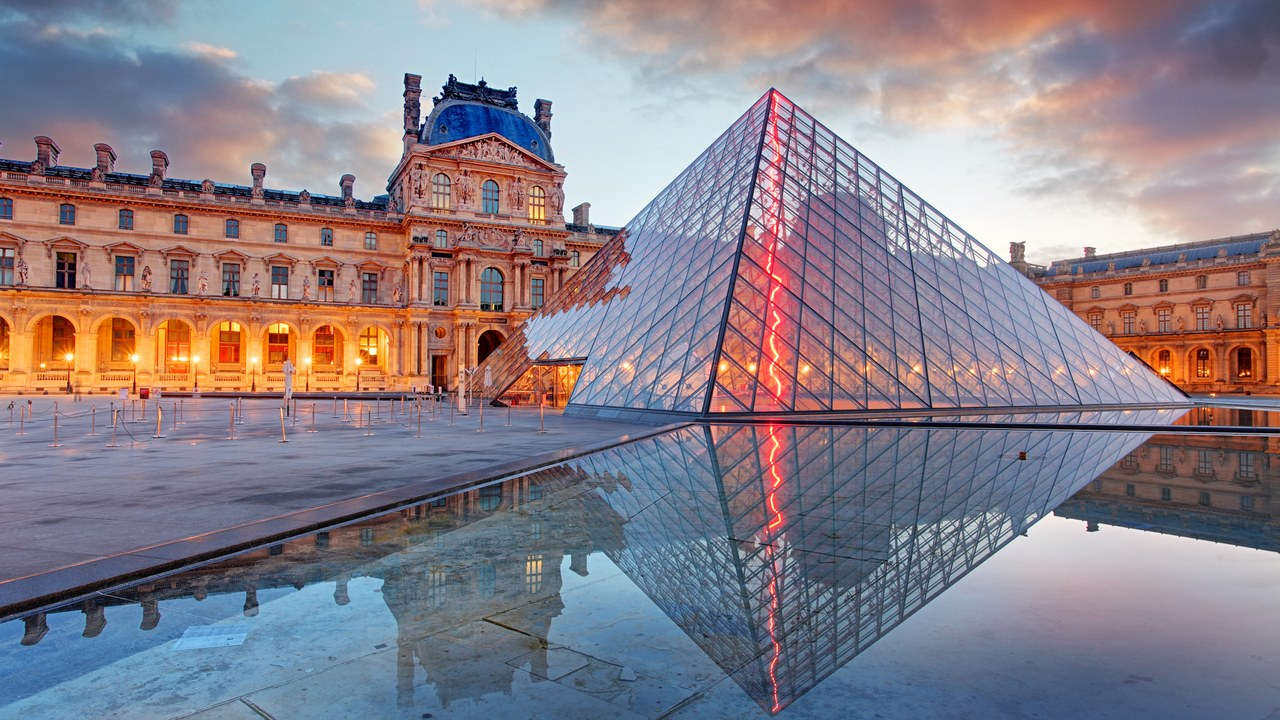 Eiffel tower, Paris, Airbnb, France, one night in the museum, Mona Lisa, Louvre, India, traveler, tourists, trending, NewsMobile, India