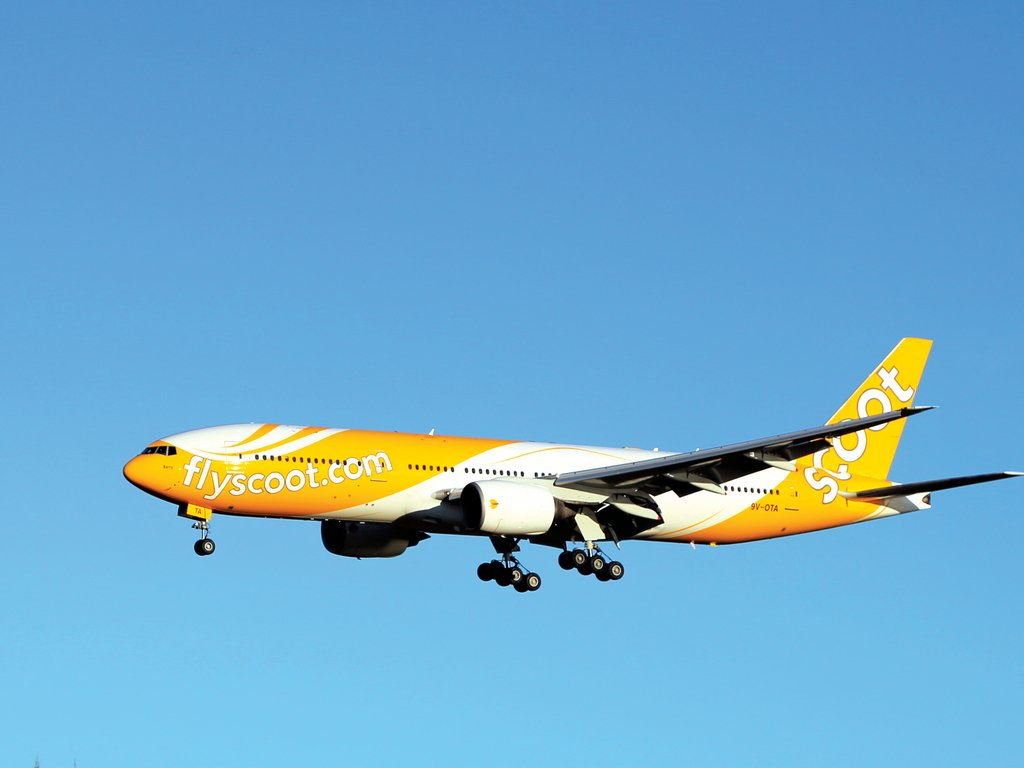 Singapore, Scoot Airways, Chennai, Flight, Emergency, Landing, NewsMobile, Mobile, News, India, Nation
