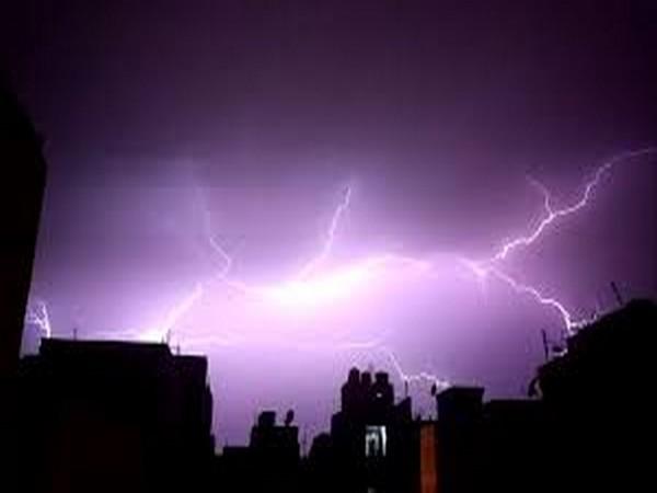 Delhi, Gurugram, Rains, Thunderstrom, Cityscape, News Mobile, News Mobile India