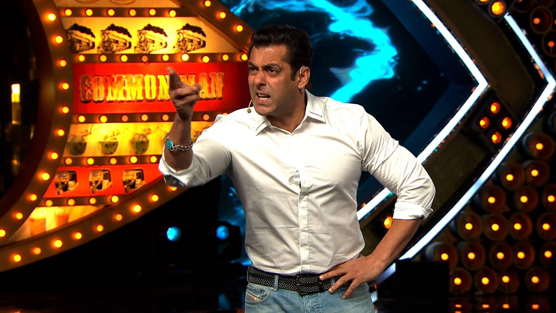Salman, Khan, Slap, bodyguard, Fan, Bharat, NewsMobile, Mobile, News, India, Entertainment, India