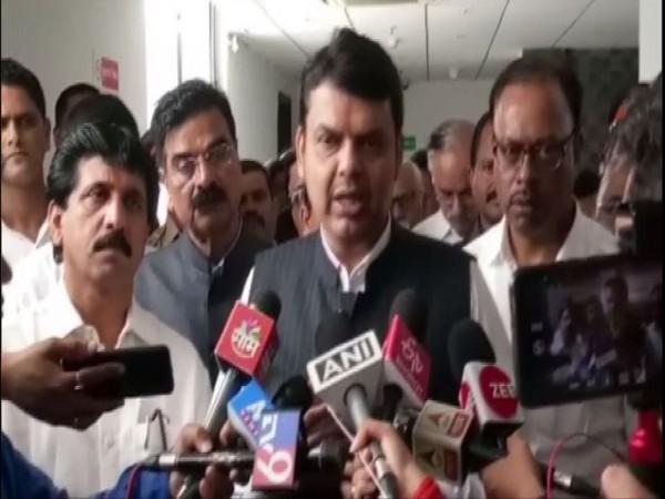 Maharashta, Maharashtra CM Devendra Fadnavis, Mumbai, Building Collapse, News Mobile, News Mobile India