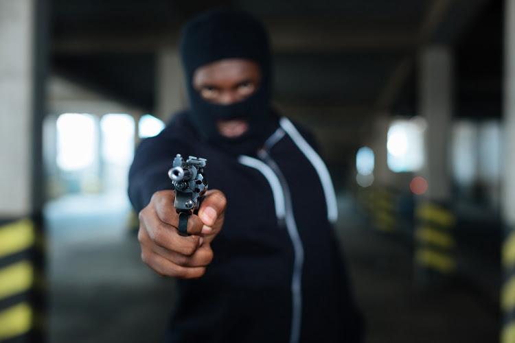 gunman, nigeria, policestation, newsmobile, newsmobileindia